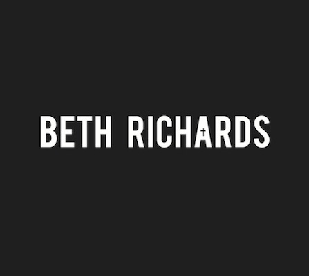BETH RICHARDS Logo
