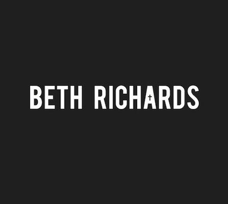 BETH RICHARDS Logo
