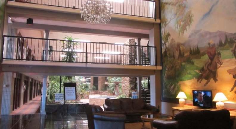La Kiva Hotel Amarillo Texas Logo
