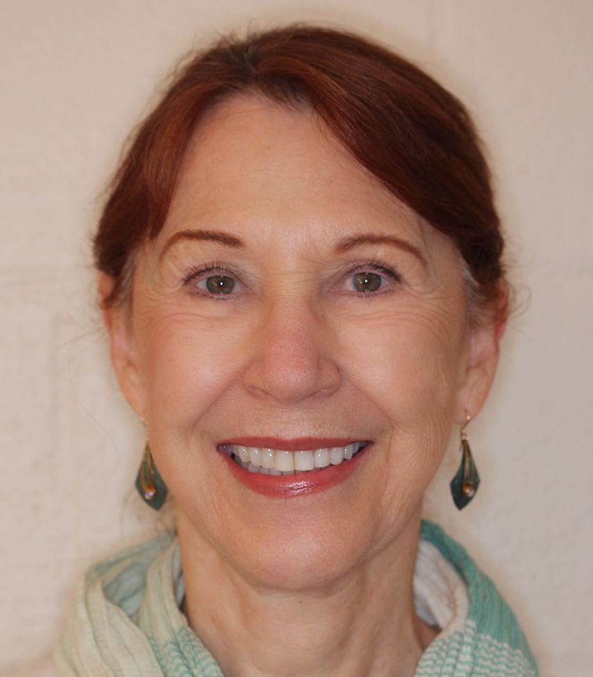 Dr. Noelle Nelson Logo
