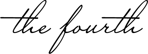 The Fourth maternity and nursing clothing Logo